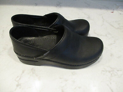 Dansko PROFESSIONAL BLACK  Leather Slip On Closed Back Clog Shoes size 36/ US 5