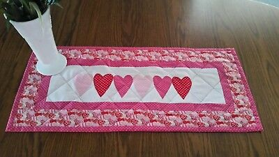 Quilted Valintines Day Table Runner