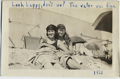 AFFECTIONATE SEXY BEACH GIRLFRIENDS 1921 LOOKING HAPPY Water Was Fine CAPTION!
