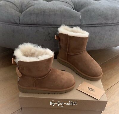 9f82ec18f47 UGG MINI BAILEY Bow Boots Kids Girls Size Uk9 Eu27 Genuine Good ...