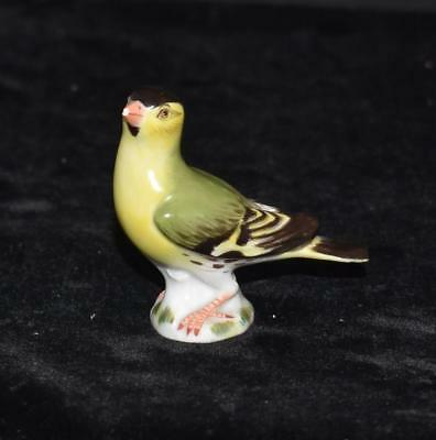"Meissen Miniature Porcelain Bird Figurine -Finch- Model #2997 -2 1/8""H-AS IS"
