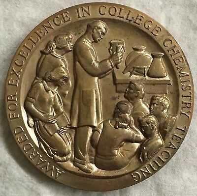 MACO. Manufacturing Chemists' Association College Chemistry Teaching Award Medal