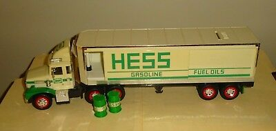 1987 HESS TOY TRUCK BANK with BARRELS in Original Box with Inserts