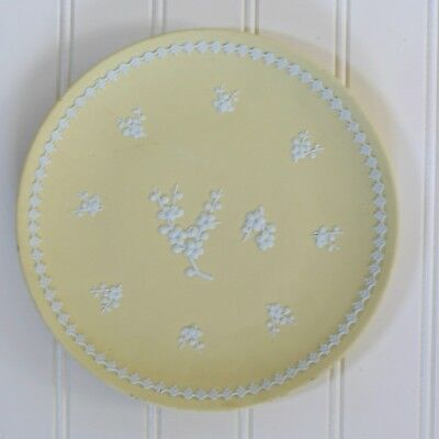 "Vintage Wedgwood Jasperware Yellow Prunus Blossoms Relief Plate 8"" Primrose"