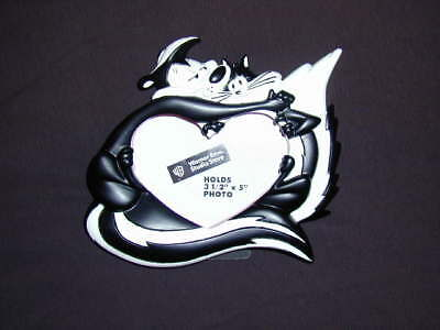 Pepe Le Pew Heart Shaped Picture Frame New In Box