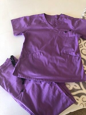 Med couture scrub set small lilac purple no smoking no pets clean barely worn