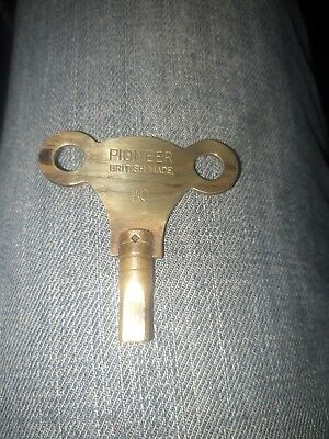 Vintage/Antique CLOCK Winding KEY Solid Brass NO. 10 - pioneer
