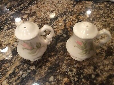Vernon Ware by Metlox ROSE PINK Ceramic Pottery SALT and PEPPER SHAKERS