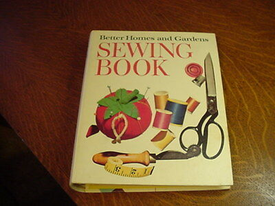 5 Ring Binder Vintage Better Homes and Gardens Sewing Book 1970 Hardcover