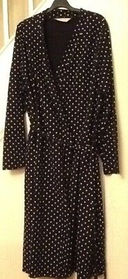 Blooming Marvellous black and white spotty maternity dressing gown - large