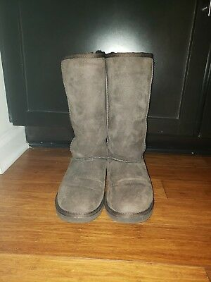 d74be520602bb UGG Australia Womens Classic Tall BOOTS  Chocolate Brown Classic Tall Size  US 8