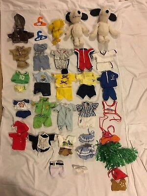 (2) Vintage Collectors 1968 Snoopy Plush + Woodstock & 20+ Outfits Lot