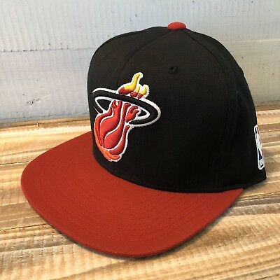 wholesale dealer a5536 d455a Miami Heat Snapback Hat Cap Mitchell and Ness NWOT NBA Red Brim