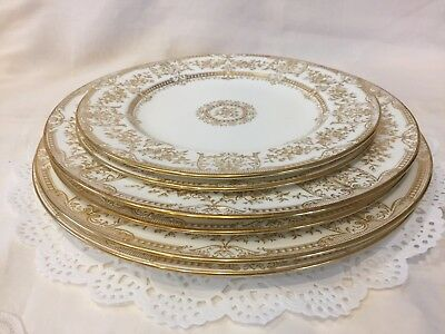 Set of 6 Wedgewood Plates-2 Dinner-2 Salad-2 Dessert Plates - Made in England
