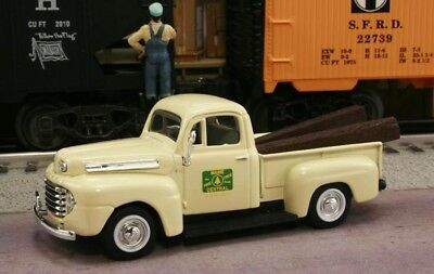 New 1//43 1948 FORD F-1 Seaboard Air Line Railroad with RR Ties