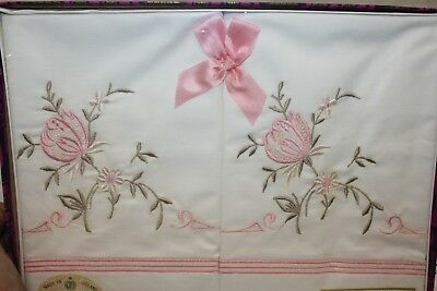 Lovely Boxed Pair Of Vintage Embroidered Pillowcases Monarch Ireland Unused
