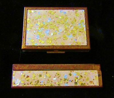 Vtg Confetti Lucite Compact With Matching Comb-Great W/Lucite Bag