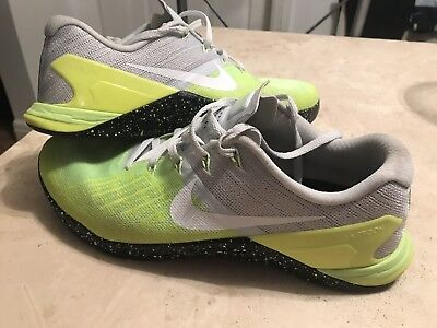 NIKE SIZE 12 Metcon 1 Volt Men s CrossFit Weightlifting Shoes 704688 ... ea69d5341