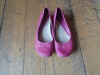 89bc5e6f92a LADIES PINK LEATHER Clarks Active Air Pumps Size 4.5D - £7.02 ...