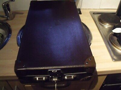 Retro/vintage Travel/luggage Cheney England Suitcase/instrument Case + Keys 99P