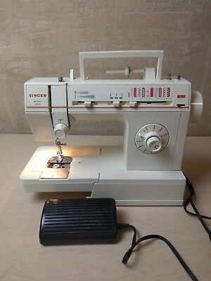 Vintage~Singer Sewing Machine~Merritt 4530~Runs Great~Parts~Repair