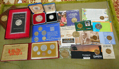 #Yy12.    #5.   Lot Of Fifteen(15)  Australian & World Coins