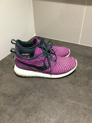 best service 41d39 5d816 Nike Roshe Run Flyknit Womens Trainers purple size 6