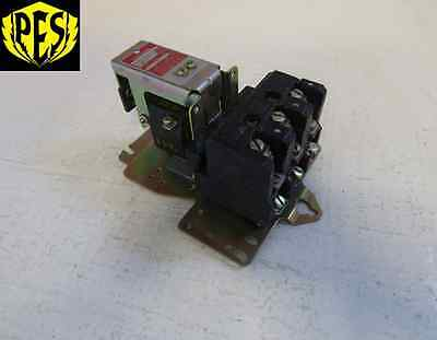 Square D 8903Mg-2Vo2 30 Amp 277/480 Volt Lighting Contactor