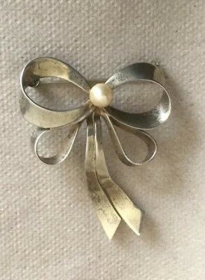 Vintage - Sterling Silver Bow w Pearl Pin / Brooch