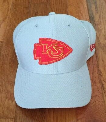 42c2fd923f7 Kansas City Chiefs NEW ERA 39Thirty 2018 Training Camp Stretch Fit Gray Hat  M L