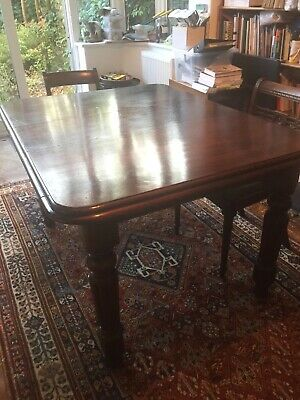 Edwardian Mahogany Dining Table with extra leaf and handle