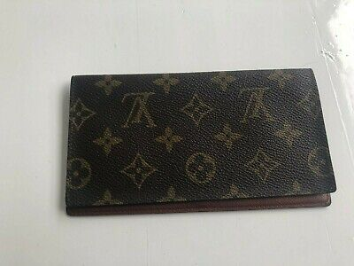 5b9d0474a6a7 LOUIS VUITTON CHECKBOOK Cover -  95.00