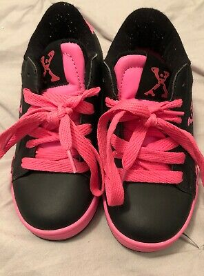 Uk Kids Size 11 Black And Pink Heelys - Excellent Condition