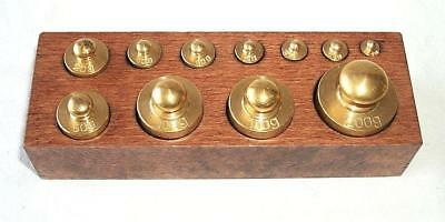 G99: Large Brass Weight Set 1g - 200g in Wooden Base, Pharmacist Weights