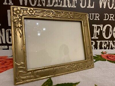 Beautiful vintage art nouveau deco brass picture / photo frame.