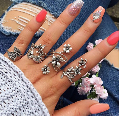 4pcs/set Women Retro Ancient Silver Hollow-out Vine Leaves Flowers Rings Set
