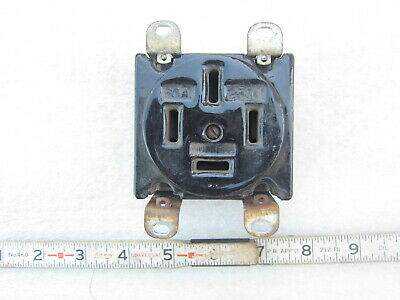 Hubbell HBL 7301G 60A 120/208V 3ØY Porcelain Straight Blade Receptacle 18-60R