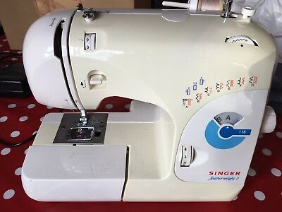 Singer Featherweight Sewing Machine II Model 118