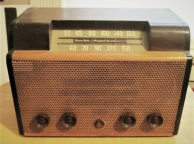 Vintage Emerson Am Tube Radio Model 512 Table Top Great Sounding & Wood Cabinet