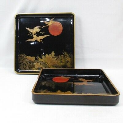 D591: Pair of Japanese old lacquer ware tray with wonderful MAKIE of good design