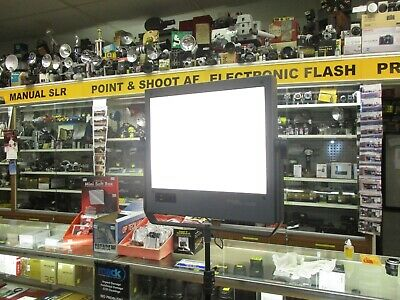 Interfit Digiflash 1000 flash panel with modeling light clean & fully tested
