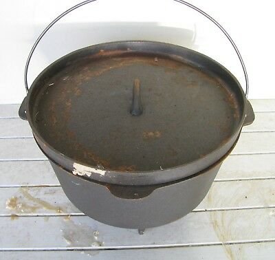 Vintage 3 Legged Wrought Iron Pot No.12 Very Good Used Condition