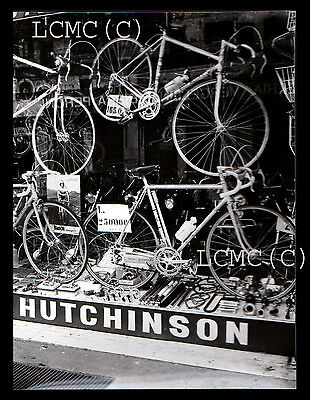 Fotografia Press Photo 1973 Milano Vecchie Biciclette Da Corsa Adv. Hutchinson