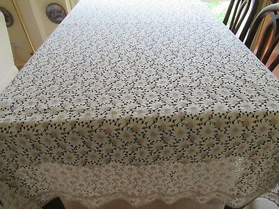Large Rectangular vintage but unused LACY-LOOK TABLECLOTH 2-tone Daisy pattern