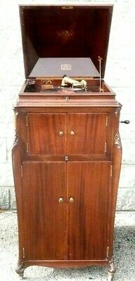 vintage 1906 VV-XVI VICTOR VICTROLA in GOOD OPERATING CONDITION...Beautiful WOOD