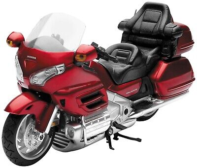 New Ray Toys 57253A 1:12 Scale Street Model - Honda 2010 Goldwing Burgandy