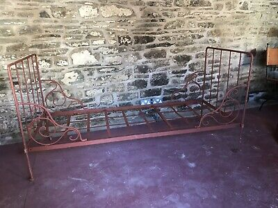 French Antique Wrought Iron Folding Daybed.delightful In Garden/Indoors