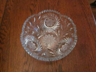 Antique to Vintage Diamond Wheel Cut Crystal Bowl, with Flower Etchings, fantast