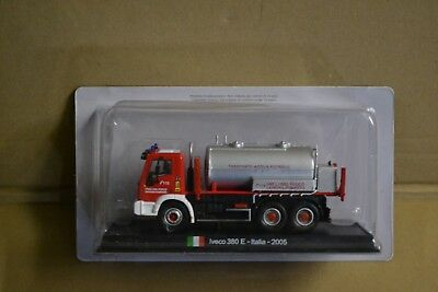 collection camion pompiers IVECO 380 E ITALIE 2005   echelle 1/64 ( neuf )