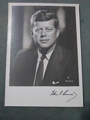 JOHN F. KENNEDY JFK SIGNED FACSIMILE, Picture By Famous Fabian Bachrach Photo